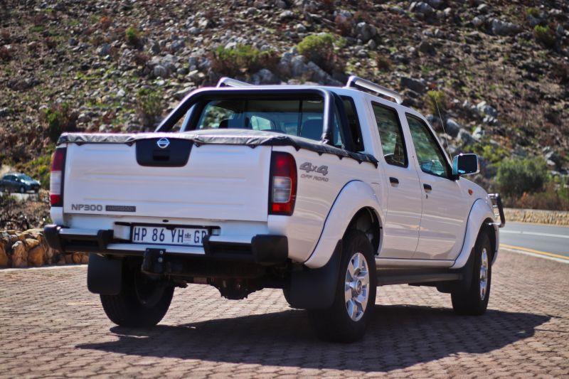 Tested: Nissan NP300 Hardbody 2 5 TDi D/C 4×4 – NamWheels